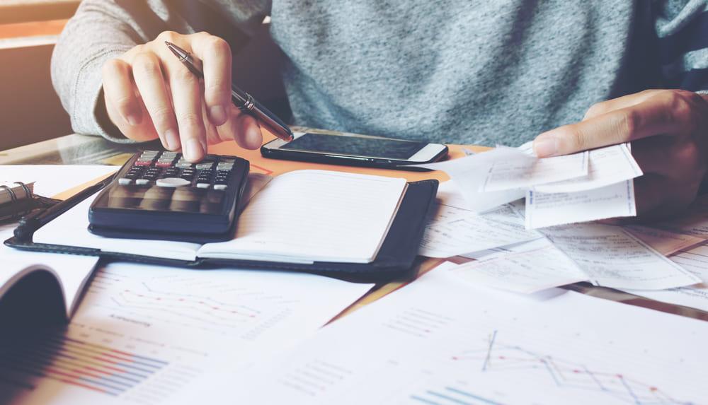 売掛金と未収金の違いとは?決算書評価を上げるためにできること